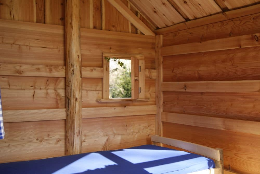 Baumhaus von innen, für Kinder