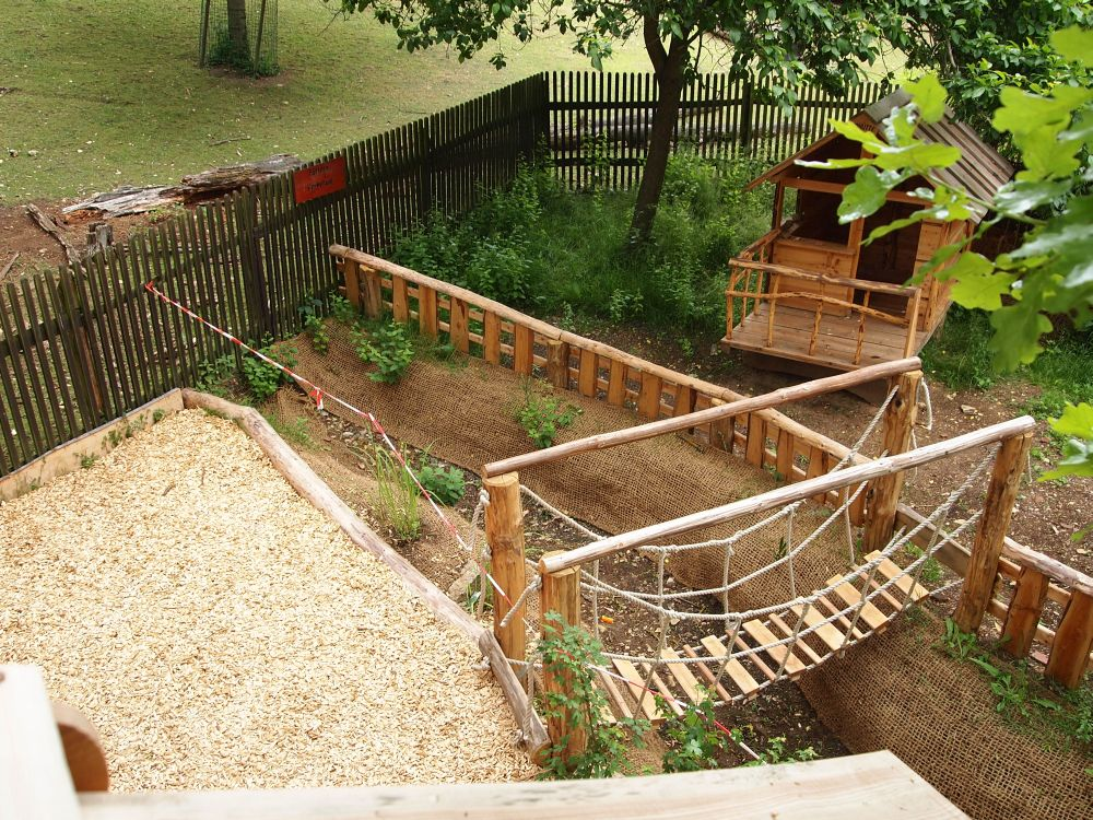 Spielplatz Selber Gestalten planen naturholz spielplätzen almhütte