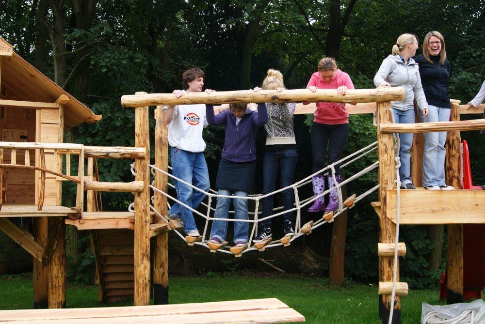 Naturholz Spielanlage Test