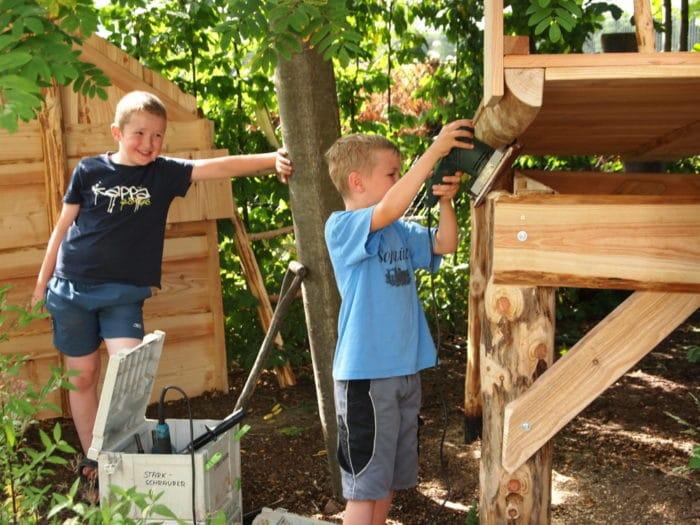 Bild : Spielhaus aufbauen